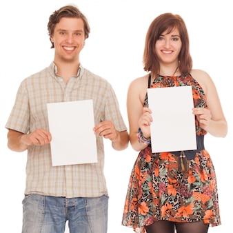 空白の論文と白人カップル