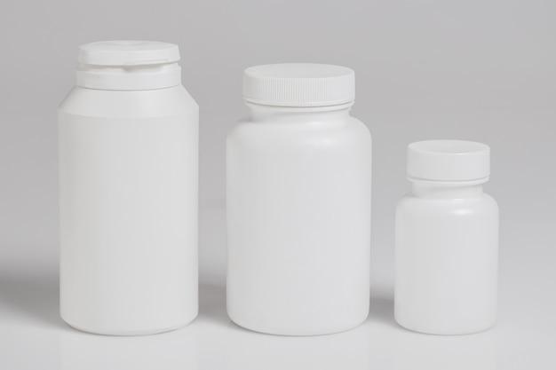 栄養補助食品の瓶