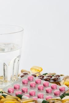 ガラスとさまざまな薬