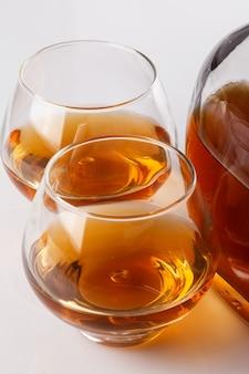 コニャックとボトルとグラス