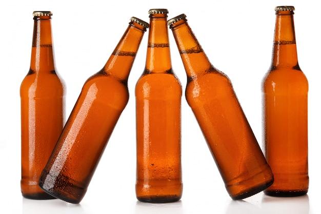 冷たいビールのボトル