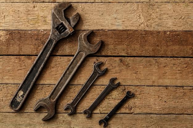 Металлические ключи