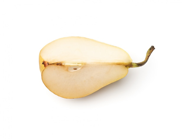 新鮮な梨は、白で隔離四半期にカット
