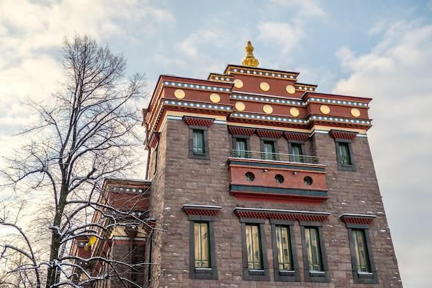 Буддийский храм в санкт-петербурге, россия