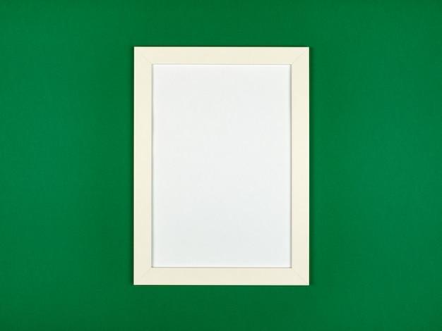 Плоская планировка пастельных тонов с пустой рамкой