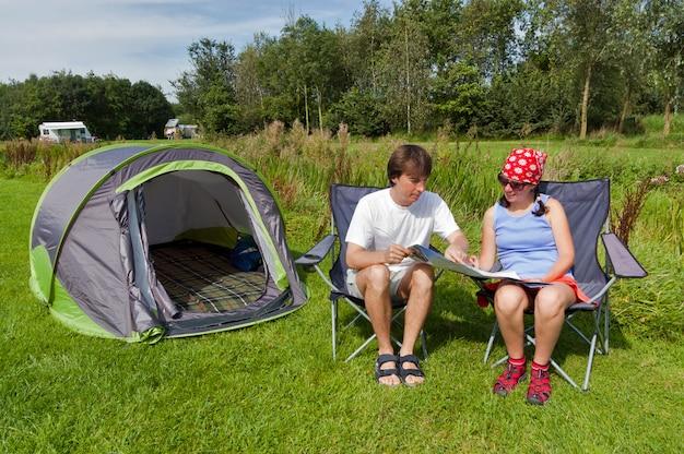 キャンプでの家族旅行