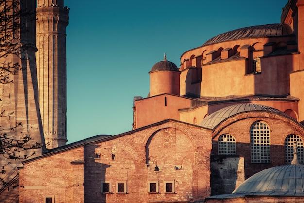 Мечеть султана ахмеда с подсветкой. мир красоты. стамбул, турция