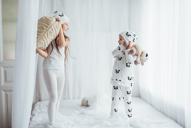 パジャマの子供