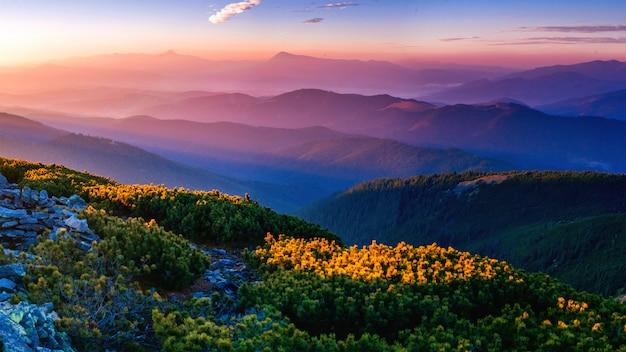 Волшебный закат в горах