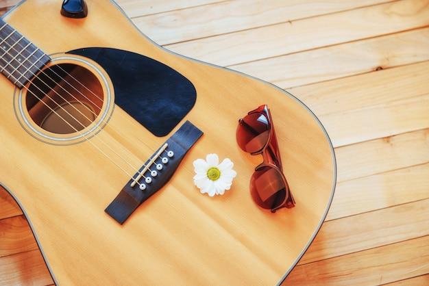 Деталь классической гитары с малой глубиной резкости