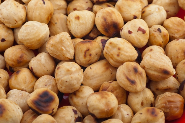 Твердые орехи изолированные