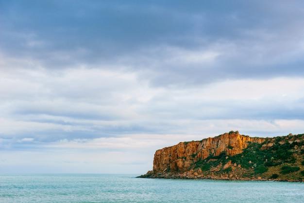 ミラッツォ岬の美しい景色。