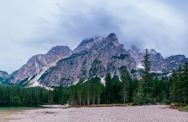 美しい岩のドロミテ