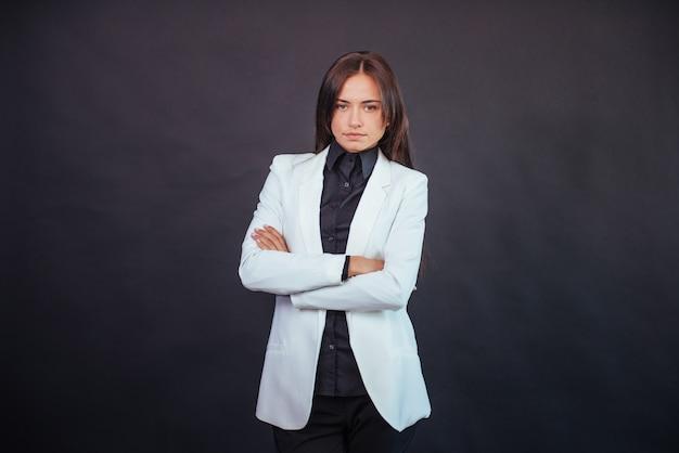ビジネス装いで美しいスマートな若い実業家の肖像画