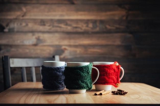 Чашка ароматного чайного трикотажа.