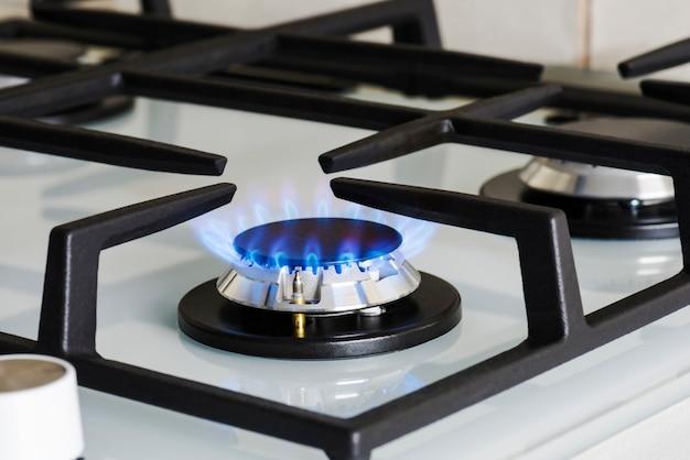Современная кухонная плита