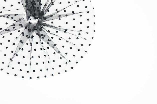 Элегантная черная текстильная круглая композиция с черными кругами. швейная концепция.