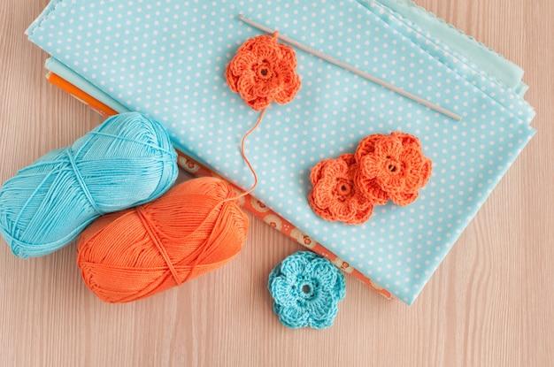 手作りニットかぎ針編みの花