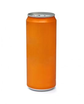 Оранжевая алюминиевая банка на белом