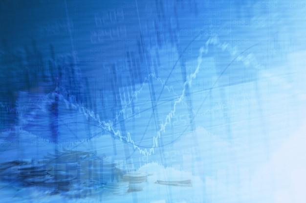 Абстрактная финансовая диаграмма с графиком и стопкой монет