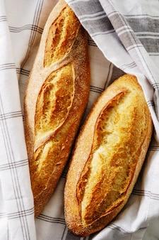 自家製焼きたてのパン。上面図