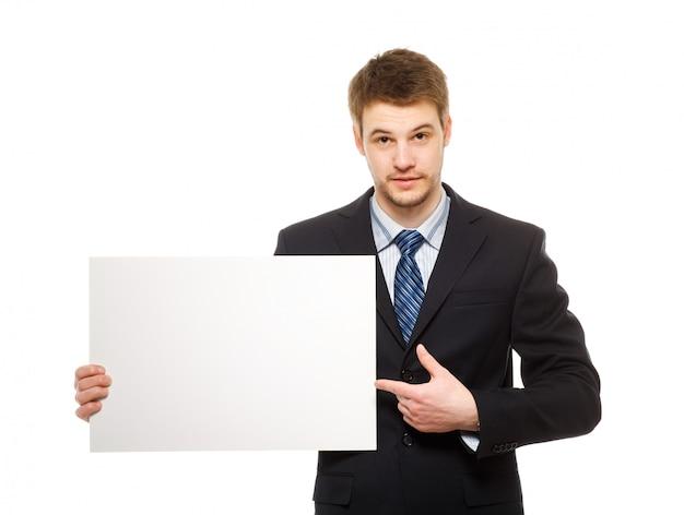 ホワイトボードを保持している青年実業家