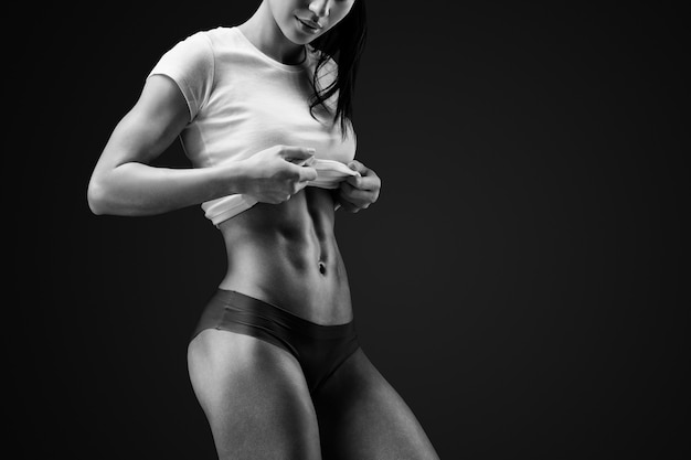 スリムでフィットする女性モデル