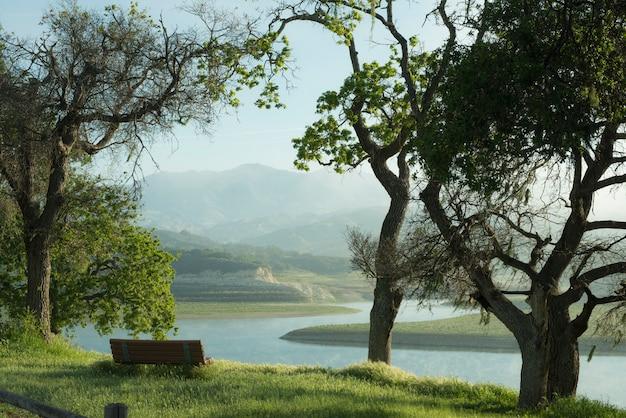 Мирный утренний пейзаж
