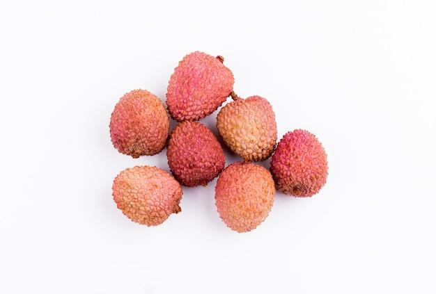 Личи плоды на белом