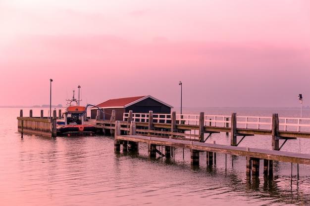 マルケン港、オランダ。