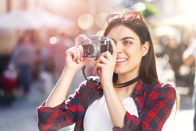 流行に敏感な女の子の写真を作る