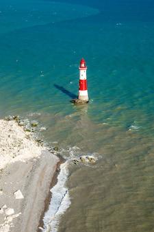 英語チャンネルの灯台七姉妹の崖