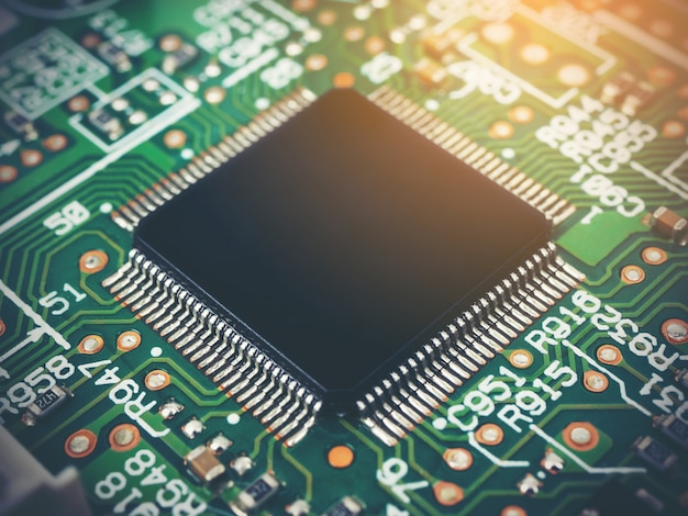 Высокотехнологичная электронная плата (печатная плата) с технологией микрочипов