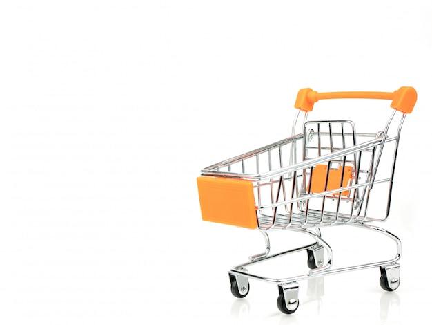 ショッピングカート、白で隔離されるカートを押す