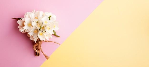 ジャスミンの花束のトップビュー