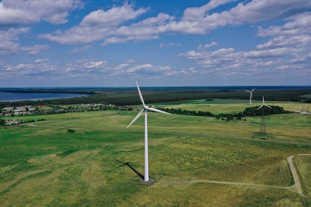 Ветровые турбины электричества против