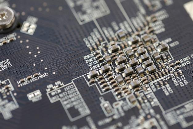 Крупным планом вид электронного устройства один два