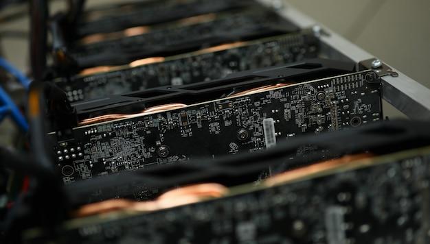 ハードウェアとデジタルチップ