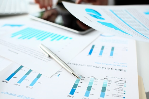 Финансовая статистика документы шариковая ручка