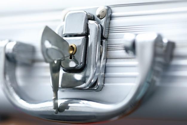 ハンドル付きビジネス秘密スーツケース