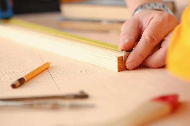 Оружие рабочего измерения деревянный брус