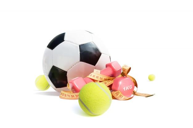 白い背景に分離された新しいカラフルなスポーツ用品