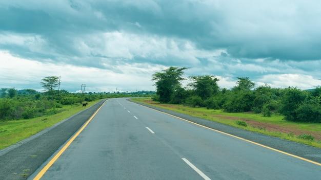 Пейзаж африканского шоссе