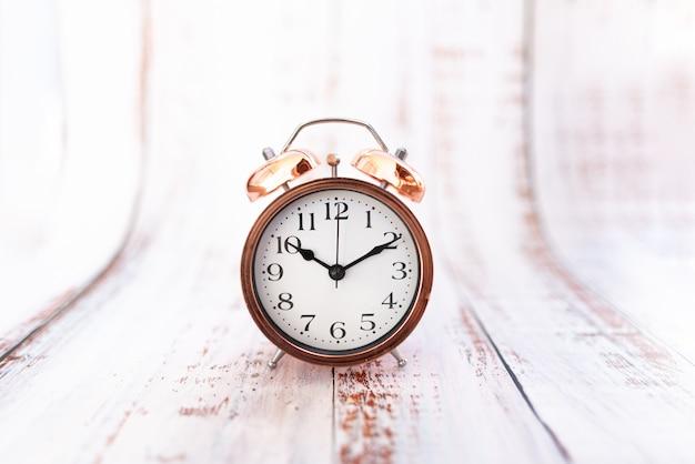レトロなビンテージ目覚まし時計