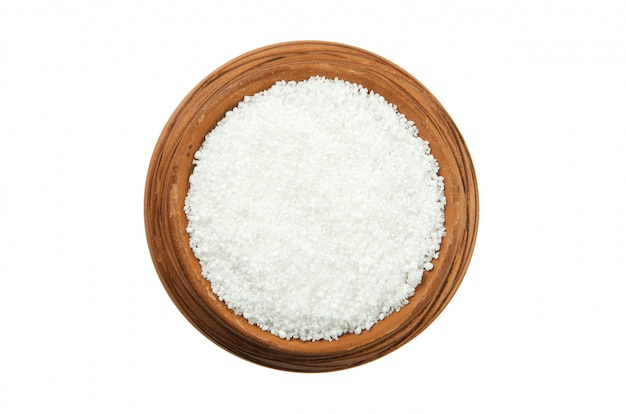 白い背景に分離された光沢のあるカップのクエン酸
