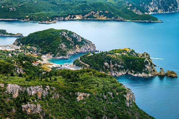 ギリシャの島々の空中パノラマビュー