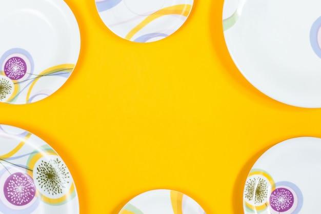 Рамка тарелок разных размеров