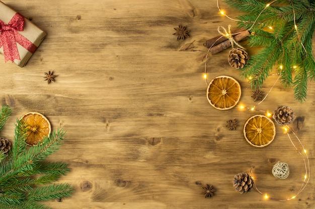 Рождественские праздники фон на старом дереве
