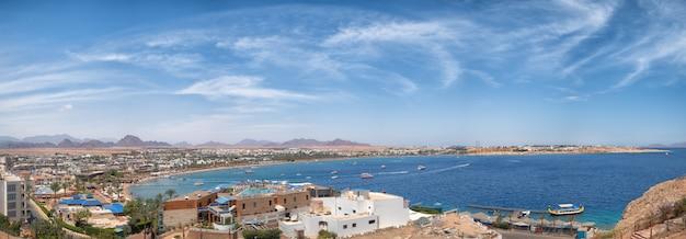 エジプトのナアマ湾を見る