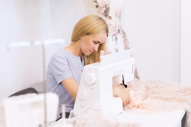 縫製趣味、中小企業またはスタートアップのコンセプト